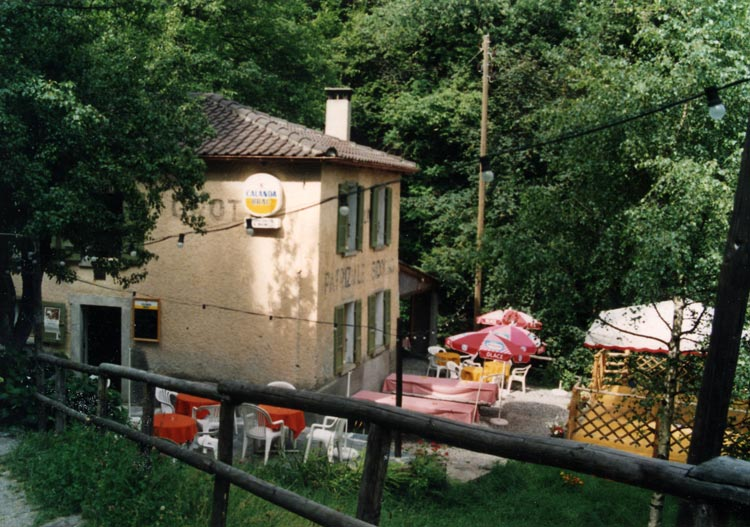http://www.adhikara.com/capriasca/grotto-al-mulino.jpg